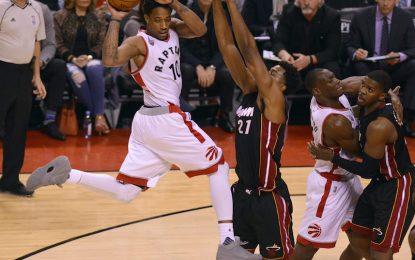 """Избрано от НБА: """"Хийт"""" оцеляха в Торонто след продължение"""