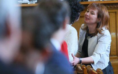 Русинова – министър, Калфин няма да е депутат