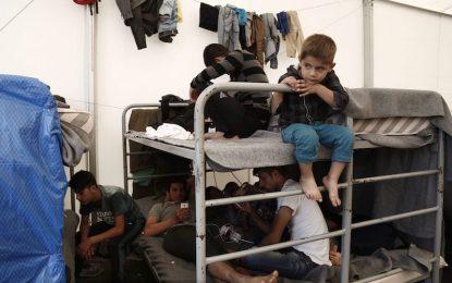 Европейците приемат бежанците, Русия – не