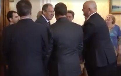 Русия посрещна като герои петима кубински шпиони