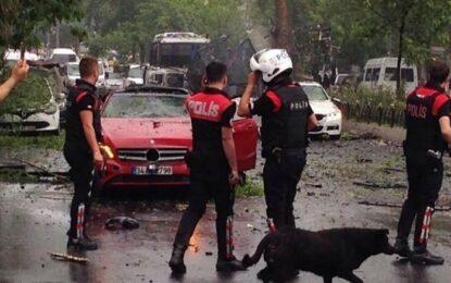 Терористи взривиха бомба в центъра на Истанбул