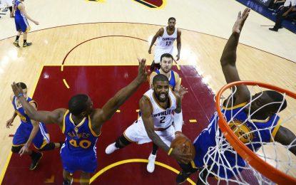 """Избрано от НБА: Джеймс и Ървинг оставиха """"Кевс"""" в борбата за титлата"""