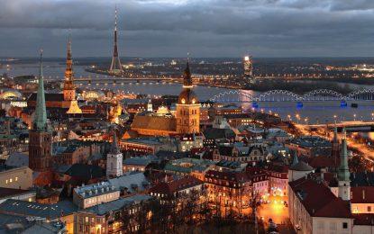"""Латвия готви """"възродителен процес"""""""
