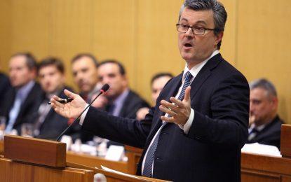 Властта в Хърватия падна