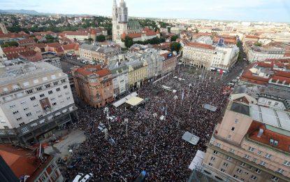 Хиляди хървати на протест за образователна реформа