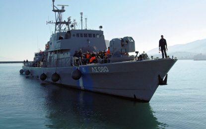 Гърция спаси 340 мигранти край Крит