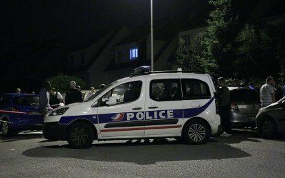 Джихадист уби полицейски шеф и партньорката му край Париж