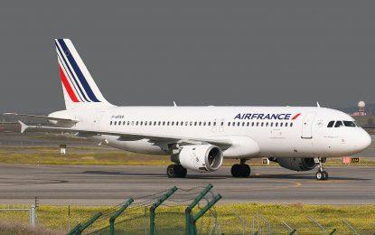 """Стачката на """"Ер Франс"""" спря полетите между Париж и София"""