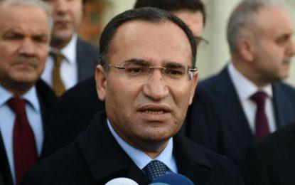 Анкара отвръща на военните