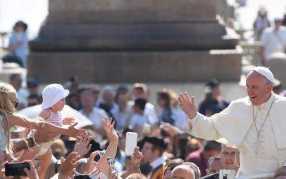 40 000 ще охраняват папа Франциск в Полша