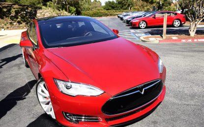 САЩ разследват Tesla за смърт с автопилот