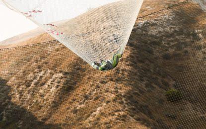 Американец скочи от 7620 метра без парашут и оцеля