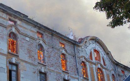 Четири тютюневи склада изгоряха в центъра на Пловдив