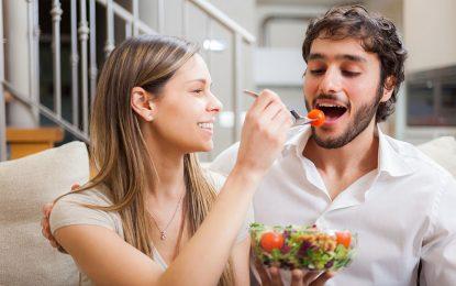Искате да сваляте жени? Яжте салата