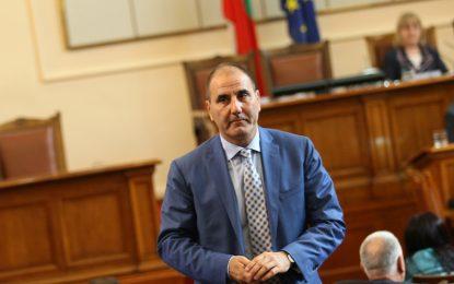 ГЕРБ издига кандидат със CV във властта месец преди вота