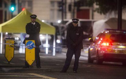 Mъж уби жена и рани петима в атака с нож в Лондон