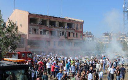 Шестима убити и стотици ранени от коли-бомби в Турция