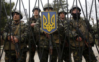 Украйна и Русия дрънкат оръжия по границата на Крим