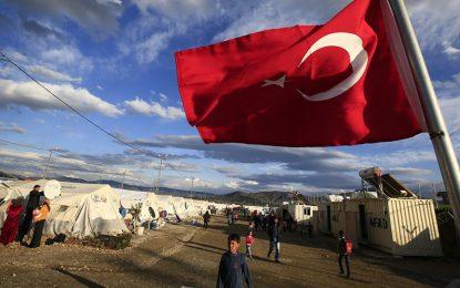 Турция не пуска образованите бежанци на запад