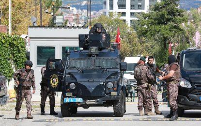 Турция затвори 12 телевизии за връзки с терористи