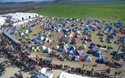Слухове подклаждат напрежение в бежанските лагери в Гърция