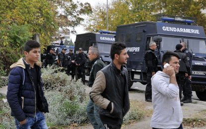 В Брюксел БСП е за мигрантите, в София – против