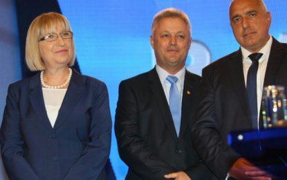 Ако Цачева не спечели от раз, Борисов подава оставка
