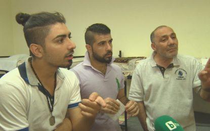 Шестимата сирийци, подмамени у нас, започнаха гладна стачка. Искат обратно в Гърция