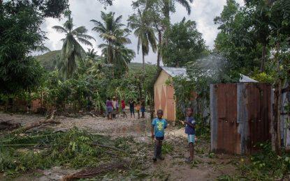 САЩ евакуират 2 млн. души заради урагана Матю