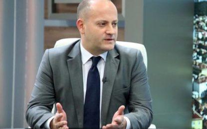 "Радан Кънев прогнозира балотаж между ""истински десния"" и ""партийния войник"""