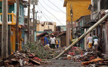 """Ураганът """"Матю"""" уби стотици в Хаити"""