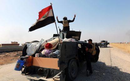 Стотици бягат от Мосул, сред тях и джихадисти