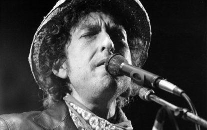 Нобелът за литература отиде при музиканта Боб Дилън