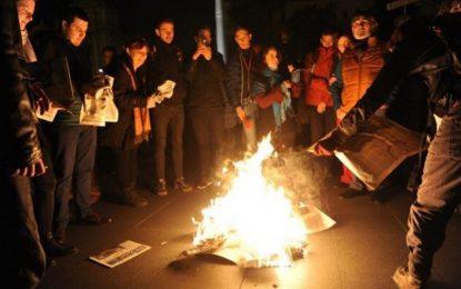 2000 на протест в Будапеща срещу спиране на опозиционен вестник