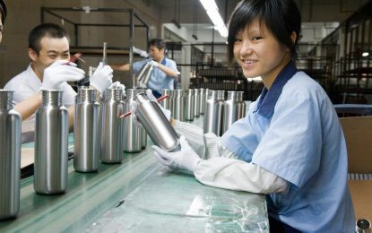 Кой ще спечели търговската война между Китай и САЩ