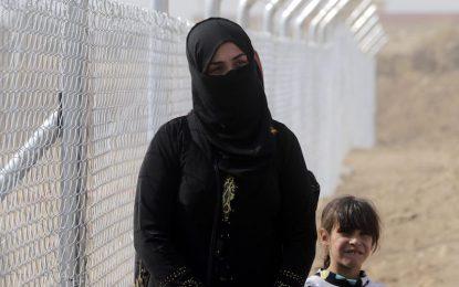 """""""Ислямска държава"""" мести 25 000 цивилни за жив щит в Мосул"""