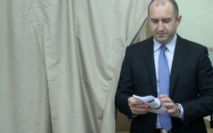 Радев и Цачева на дебат в БНТ на 10 ноември