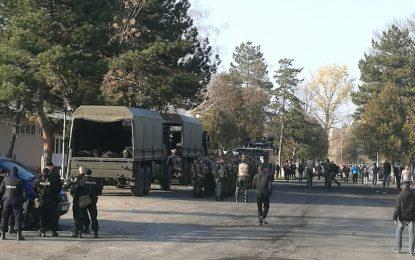 Два камиона военни в лагера в Харманли и слух за прииждащи агитки