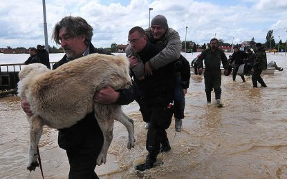 Три жертви на пороите в Албания