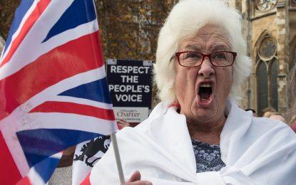 Brexit вдига дълга на Великобритания със $150 млрд.