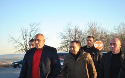 Пари за нови къщи в Хитрино обеща Борисов