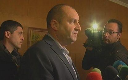 Румен Радев: Не можем да оставим хората през зимата във фургони