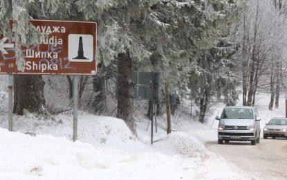 Тир аварира на Витиня, снегът затвори шосета, вятърът – пристанища
