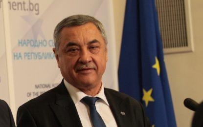 Патриотите против антикорупцията на Кунева