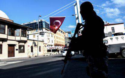 Нападателят от Истанбул още се издирва (обновена)